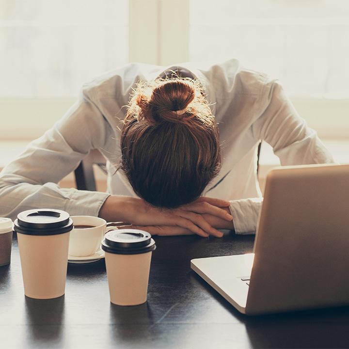 休息が十分でないと不眠や疲労が蓄積される